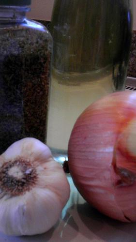 Onions, Garlic, Oregano, Olive Oil